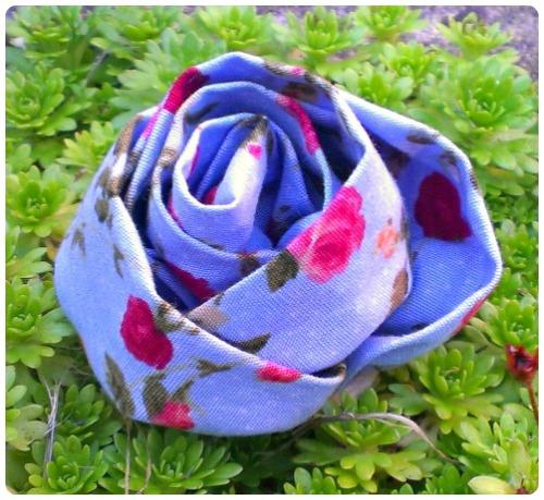craftypainter: Crafty Creatives Kit - Flower Brooch