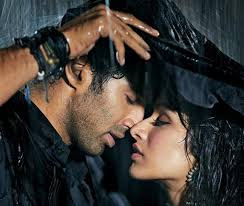 One of the big romantic hits of recent years Aashiqui 2 had a tragic ending.   Its lead pair Aditya Roy Kapur and Shraddha Kapoor, who were seeing each other in real life, met with the same fate.   The couple were inseparable; both of them would steal time to get away from their busy schedule to spend time together.