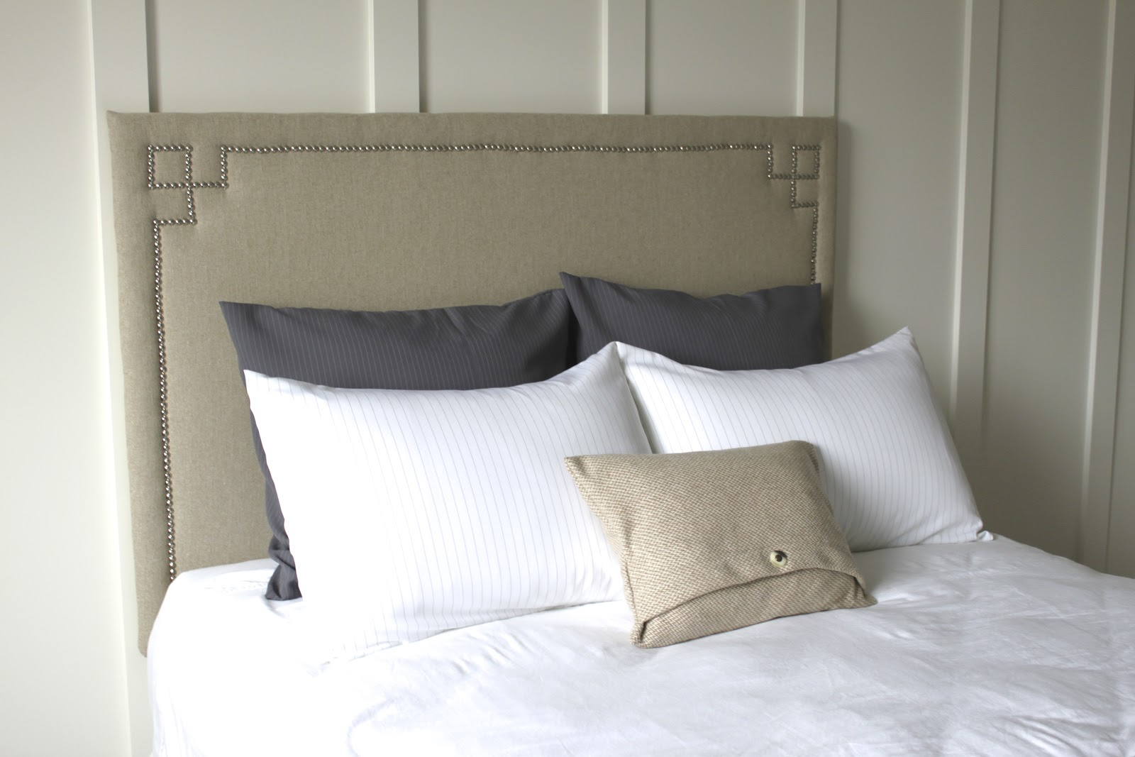 Amy\'s Casablanca: DIY headboard