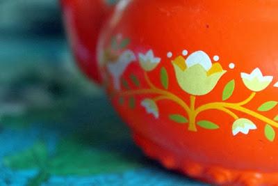 https://www.etsy.com/listing/85313885/vintage-avon-1960s-orange-tulip-pattern?ref=favs_view_1