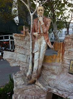 Sait Faik Abasıyanık heykeli Burgazada