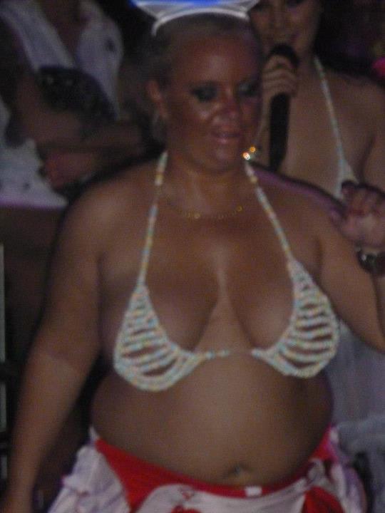 vaimo alasti Mantta-Vilppula