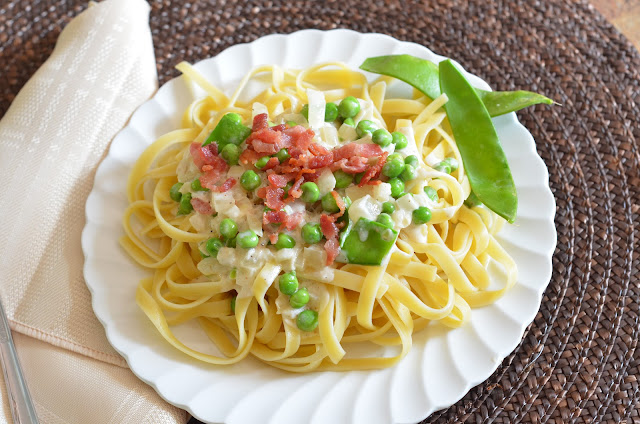 Pasta with peas and bacon recipe, cream pasta with bacon, fresh peas in pasta recipe