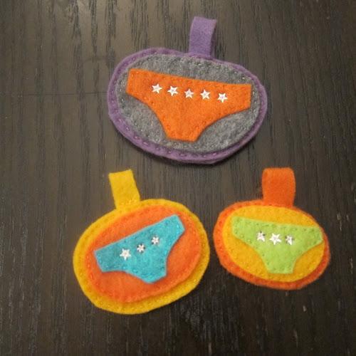 http://hugsarefun.com/lucky-underpants-badges/