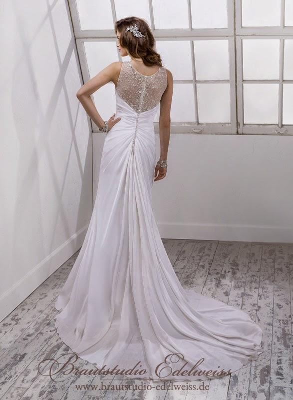 Traumhaftes fliessendes Chiffon Brautkleid mit Knöpfen am Rücken. Leichtes Brautkleid.