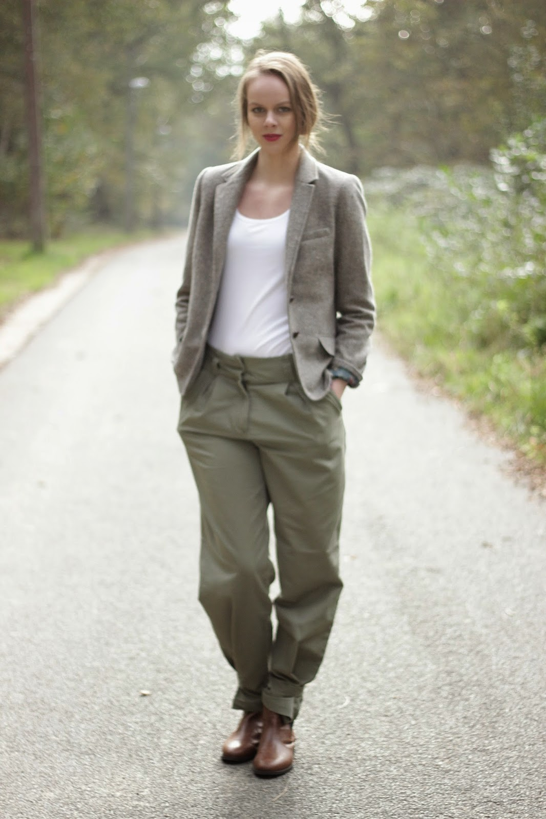 khaki outfit of the day