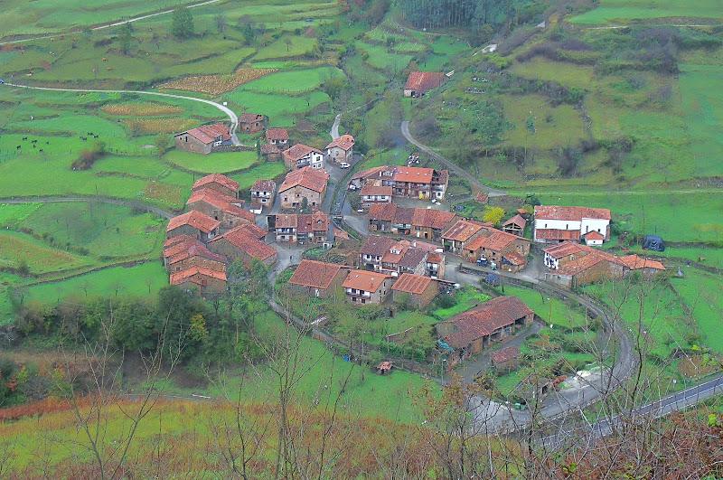 Barrio San Pedro de Carmona en Cantabria