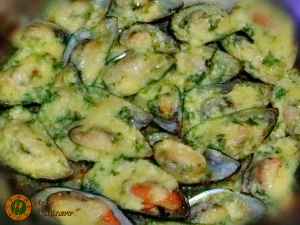 Cheesy Buttered Broiled Mussels (Tahong) | Pinoy Kusinero