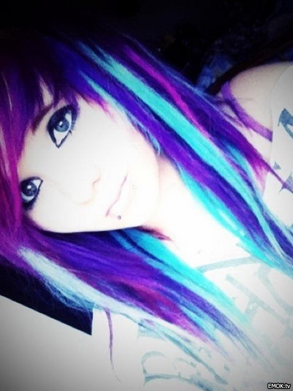 Blue Emo Hair Medium Emo Haircuts