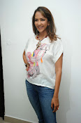 Lakshmi Manchu Latest Stylish Photos-thumbnail-6