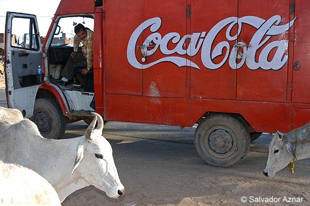 http://www.diariosdeunfotografodeviajes.com/2009/10/las-fotos-de-coca-cola-3.html