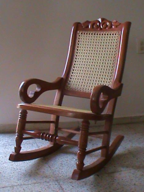 producidas en Tihuatlán son hechas de barro y muebles de cedro