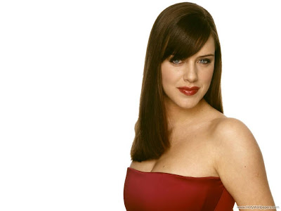 Michelle Ryan Actress and Model Desktop Wallpaper