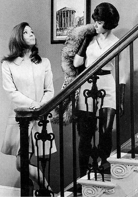 Kool tv babe of the week the avengers linda thorson kool tv passing the torch emma offers some advice on steed to tara in the forget me knot thecheapjerseys Image collections