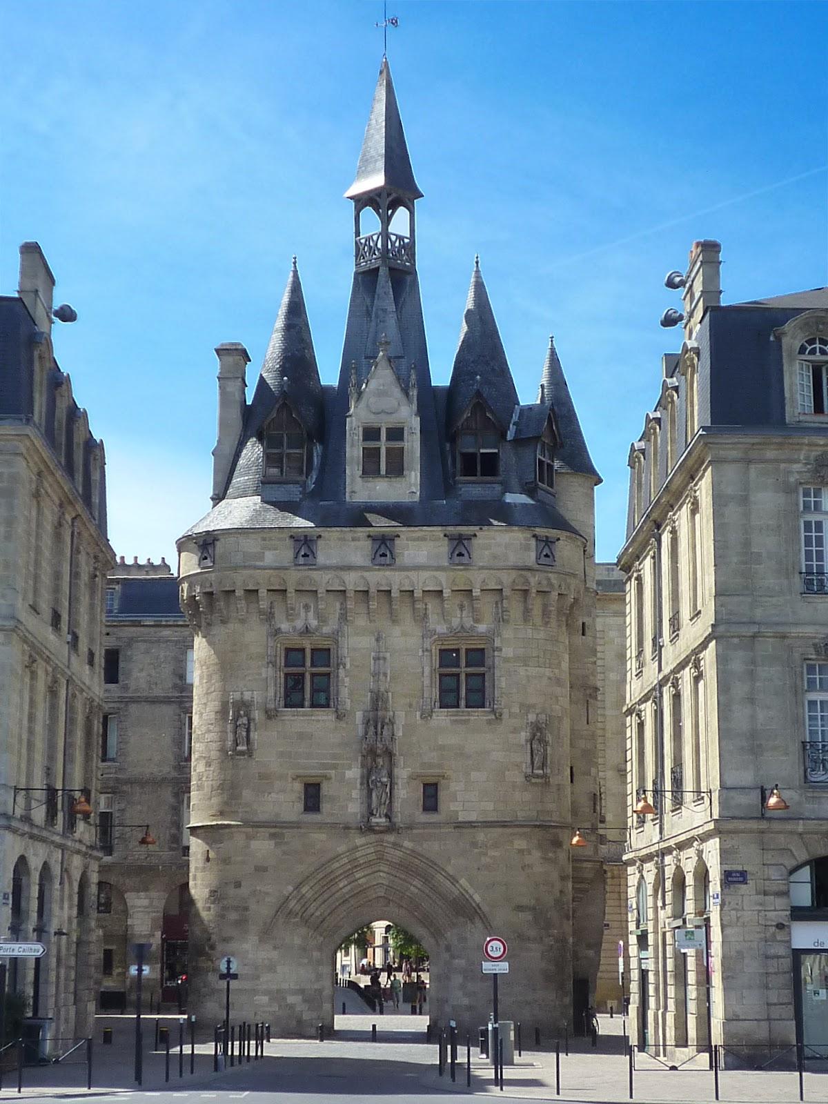 Bordeaux sites monuments porte cailhau cailhau gate for Porte cailhau