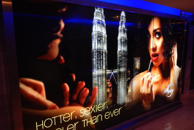 Hot and saxy Skybar KL