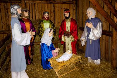 Los Reyes Magos, Maria y Jose con el Niño Jesus