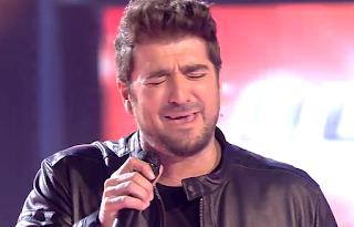 Antonio Orozco y su equipo cantan Temblando-La Voz 2015