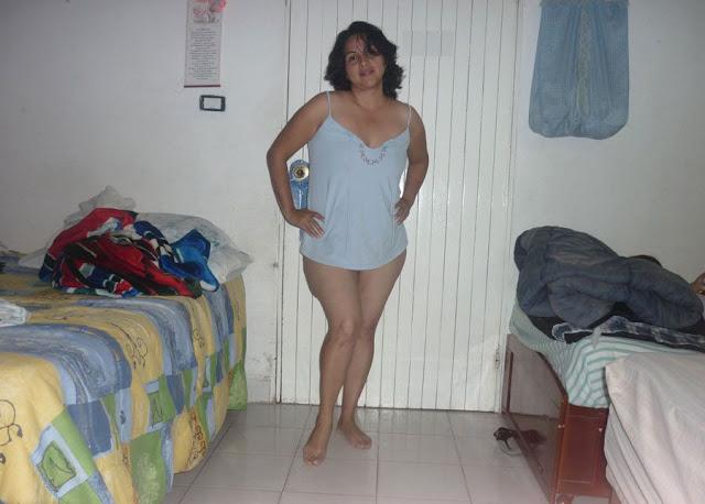 Hot Desi Aunty Enjoying indianudesi.com