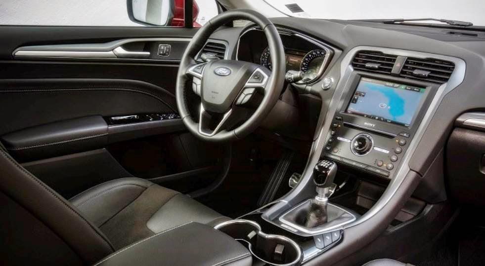 2015 Ford Mondeo Titanium 2.0 Interior