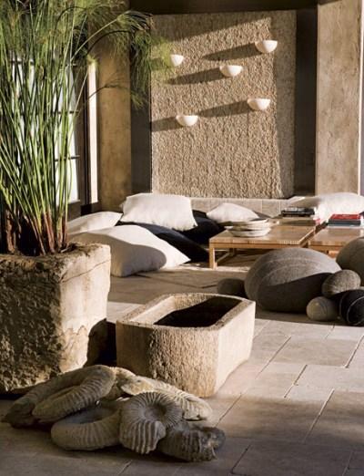 10 patios acogedores decoraci n de jardines peque os y for Decoracion de jardines y patios con piedras