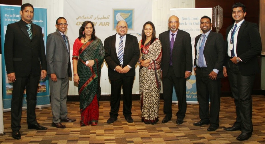 Abdulrahaman Al-Busaidy, Chief Operating Officer and Gihan Karunaratne - Country Manager - Sri Lanka and Maldives with the Oman Air Sri Lanka sales team.