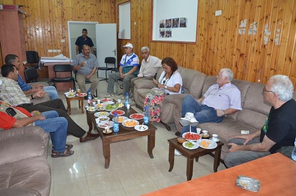 Brasileiros reuniem-se com Comitê do acampamento Jalezon