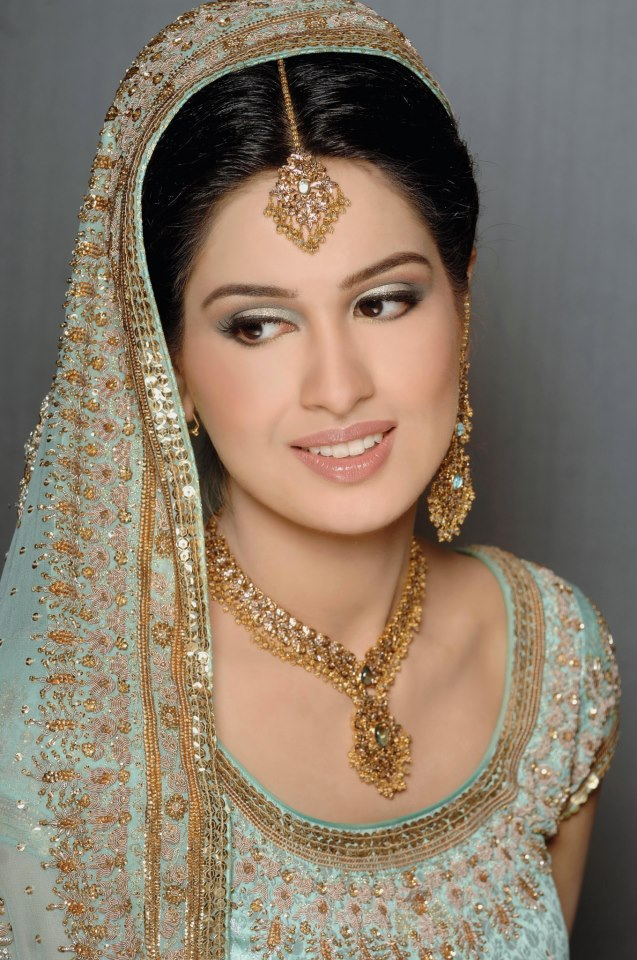 Pakistani brides bridal make-up fashion
