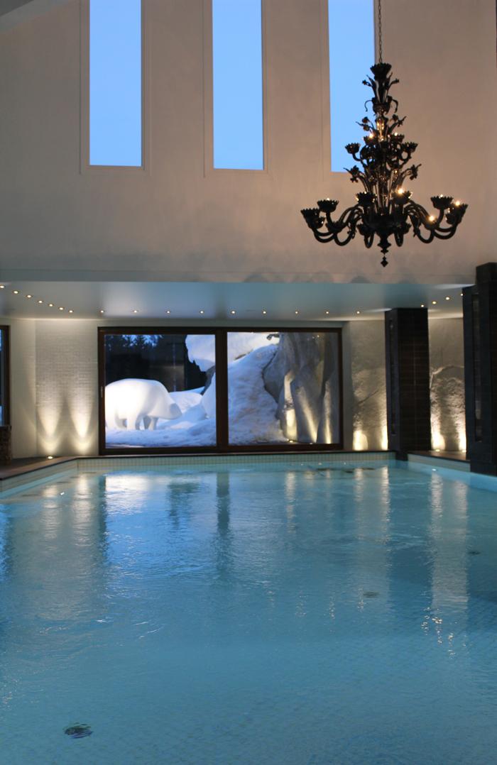 diana dazzling, fashion blogger, fashion blog,  cmgvb, como me gusta vivir bien, dazzling, luxury, spa, spa Nuxe, courchevel 1850,le strato, luxury hotel, bikini, snow bikini, snow spa, swimming pool