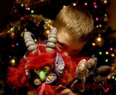 http://www.dreadcentral.com/news/138584/exclusive-warpo-announces-dont-cuddle-the-krampus/