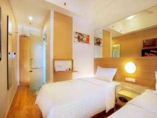 hotel murah di pasar baru tune hotel