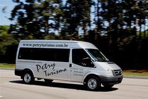 """Patrocinador """"3"""" Petry Turismo"""