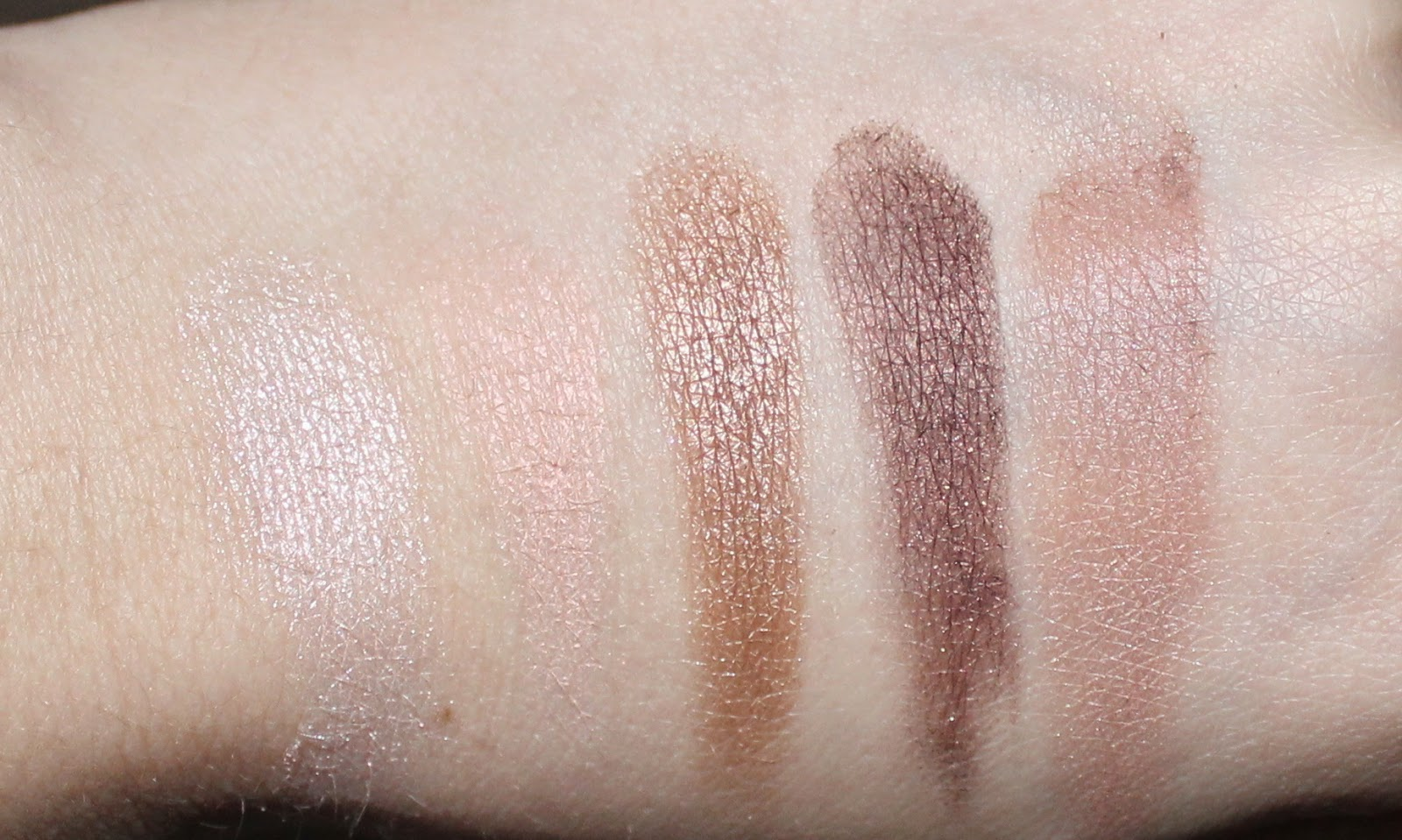 Dior 5 Couleurs Eyeshadow Palette in Ambre Nuit Swatches