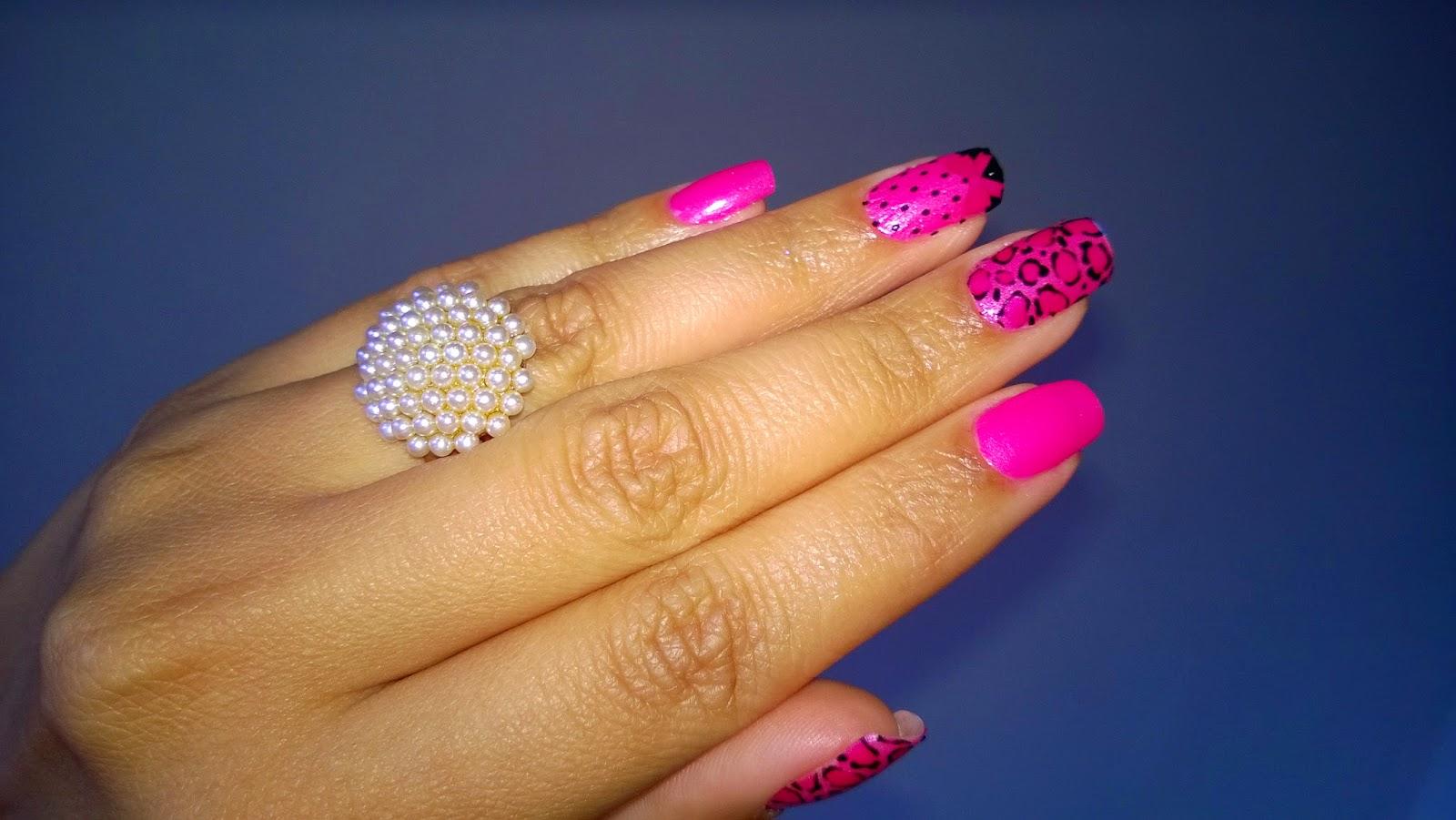 Unha da Vez: Oncinha Pink com Películas da Parceria Bruna Moraes