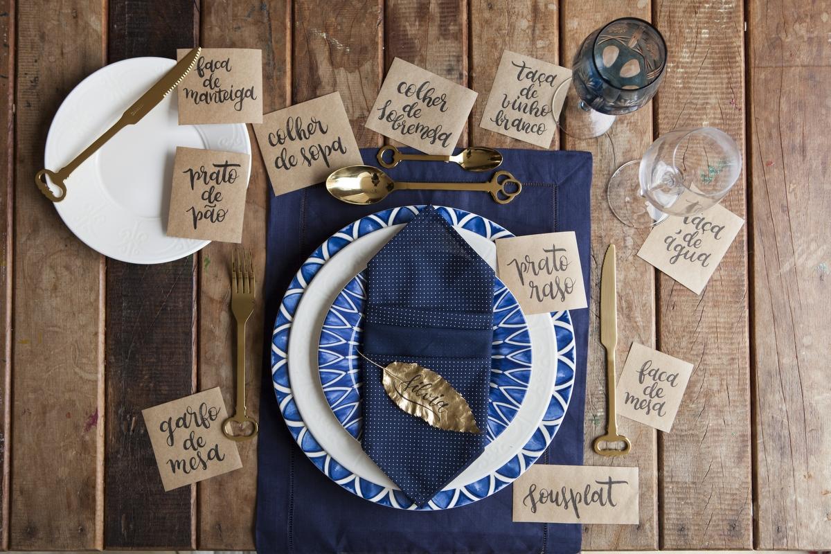 Itens para compor decorar e montar uma mesa talheres louças
