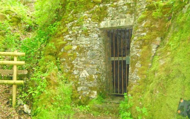 Cave lock-up at Wetton
