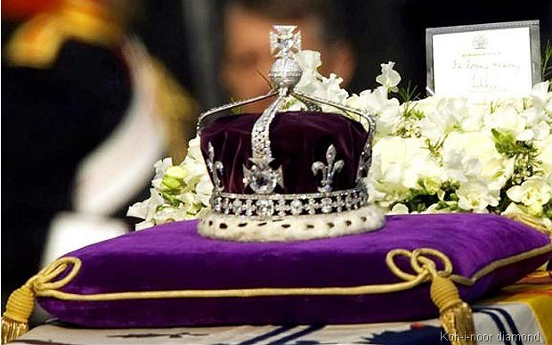 kohinoor diamond After the diamond was handed to queen victoria, it was exhibited at the crystal  palace after queen victoria's death, the kohinoor became part of the crown.