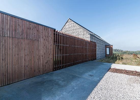 gambar contoh desain rumah bronjong