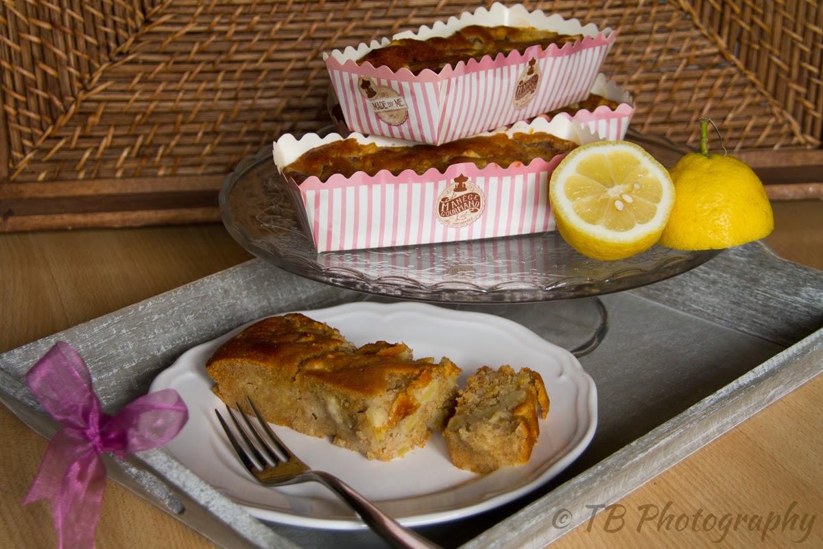 mini plum cakes semi-integrali con mele e nocciole al profumo di limone (senza uova, senza burro, senza lievito)