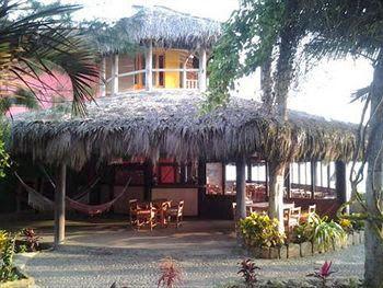 Alojamiento en Montañita – Hostería Cuna Luna