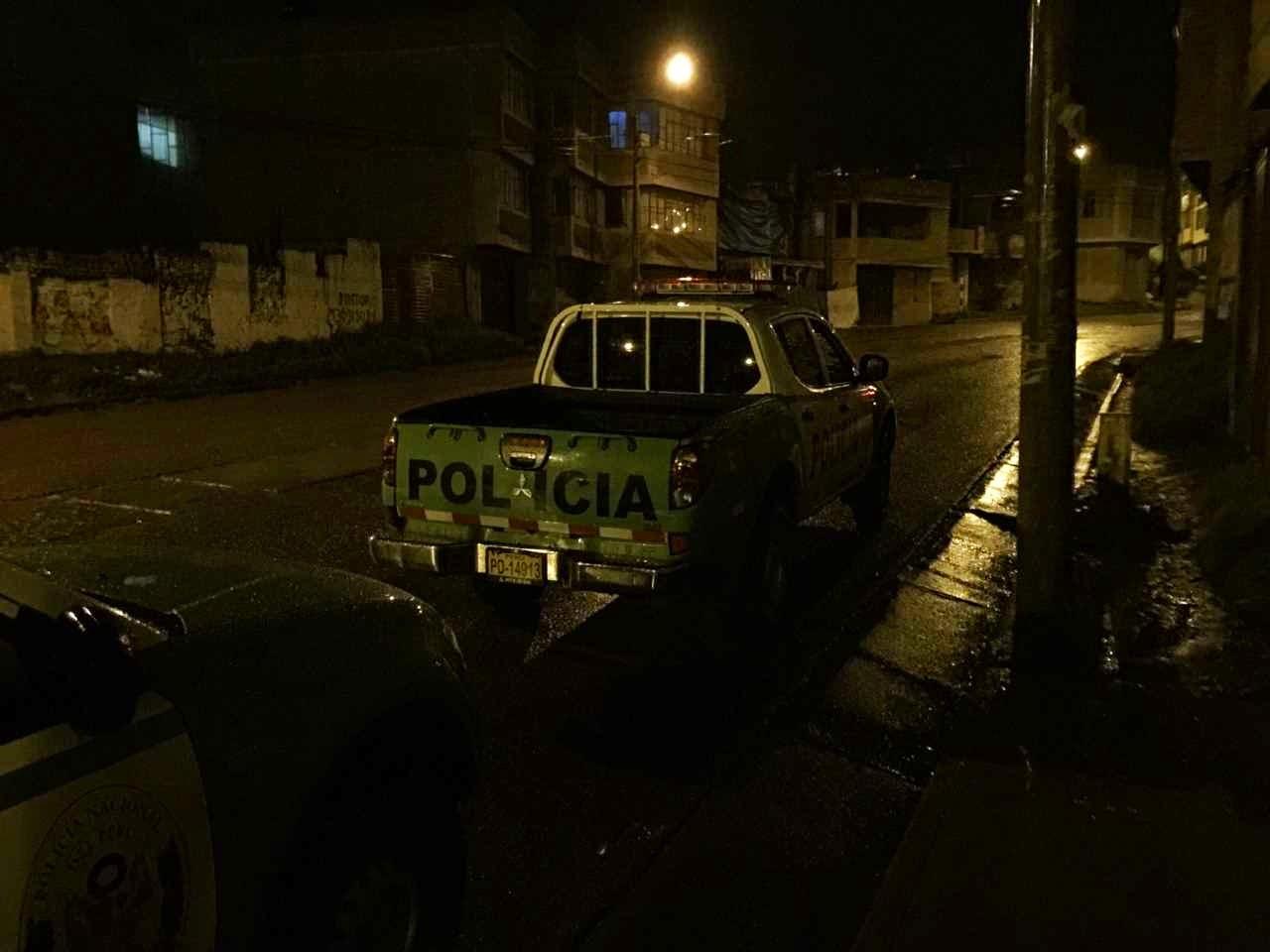 Autoscheibe eingeschlagen, Fahrzeug Einbruch und Diebstahl in Puno, Peru