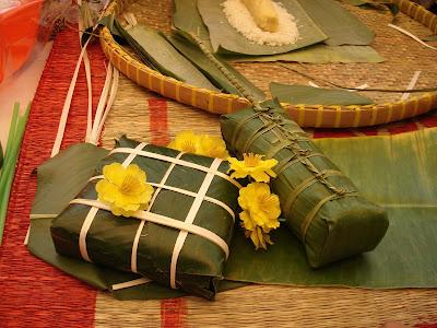 Chung cake (Banh chung) - Vietnamese traditional food