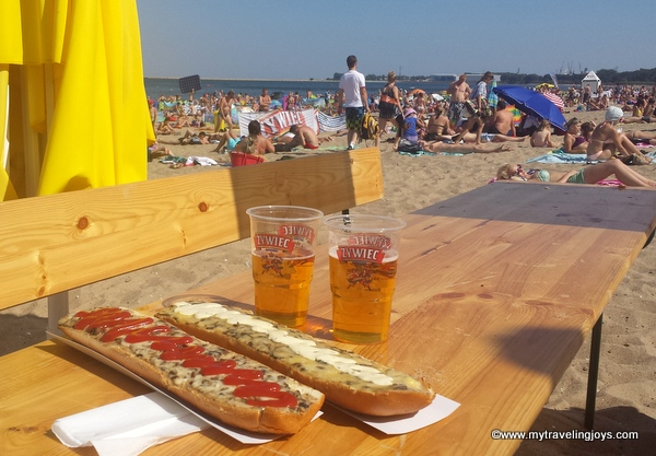Our baltic sea beach getaway in poland lost traveler for Pataka bano food mat