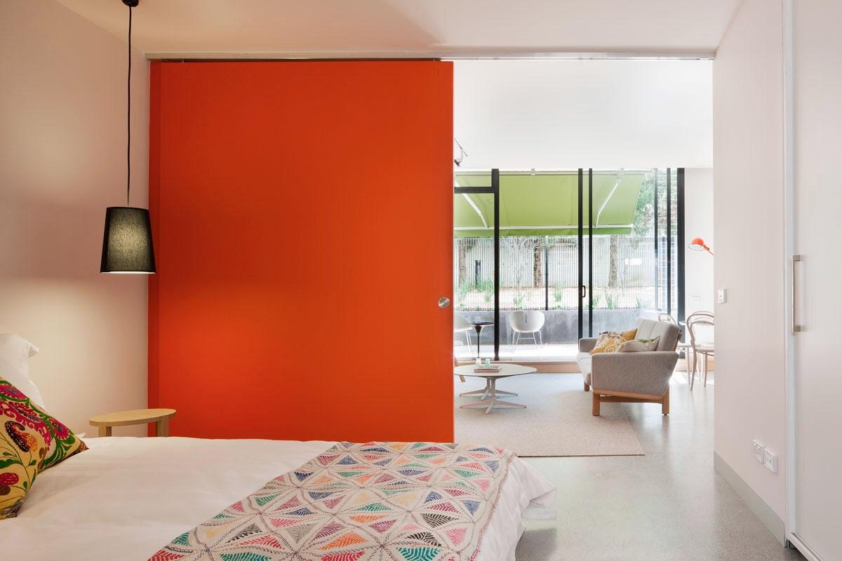 Living in designland inspiraci n puertas correderas - Puertas correderas grandes ...