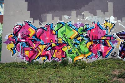 graffiti-writing-wall