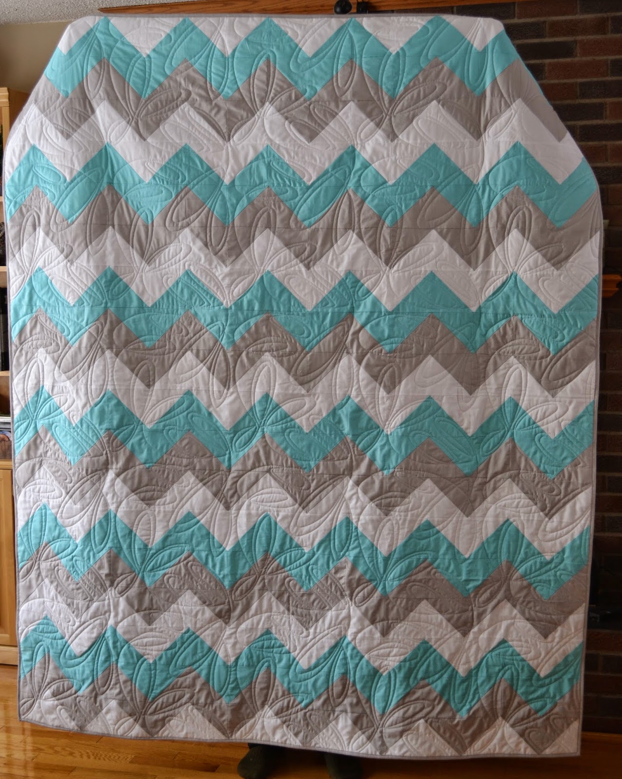Magpie Quilts: Chevron Quilt Finishes! : chevron quilt - Adamdwight.com