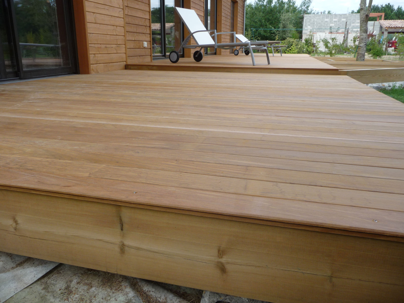 Construire terrasse en bois sur plots for Construire terrasse beton
