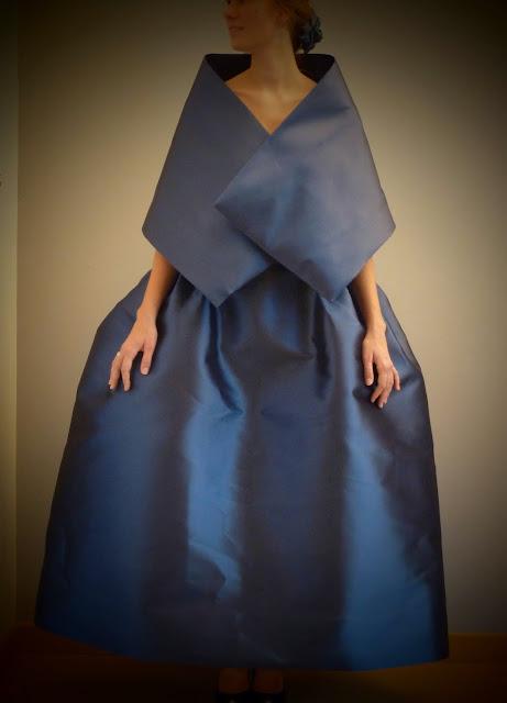 robe de mariée par couture sur mesure à Versailles