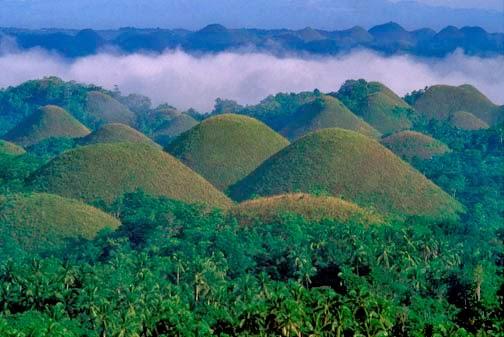 gambar Keajaiban Dunia Chocolate Hills