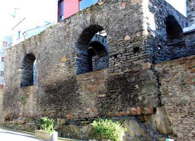 Muralla medieval de Navia